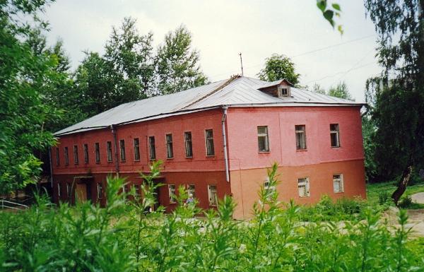 Людская, построена в 1846 г.